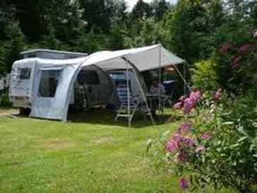 Voorbeeld staanplaatsen bij camping chantegril