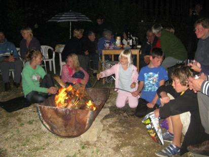 Kampvuur met marshmallow avond op Camping Chantegril