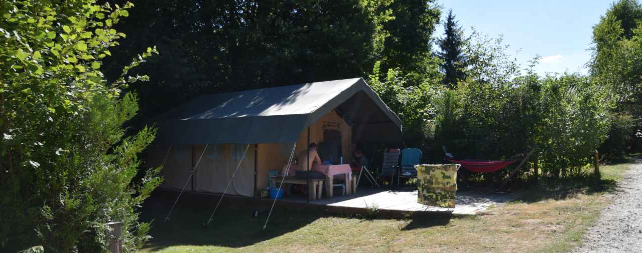 Safaritent M op een rustig veldje in de B zone, Camping Chantegril