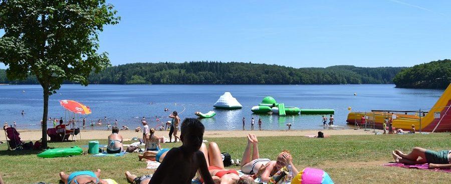 Lac de Neuvic vlakbij Camping Chantegril