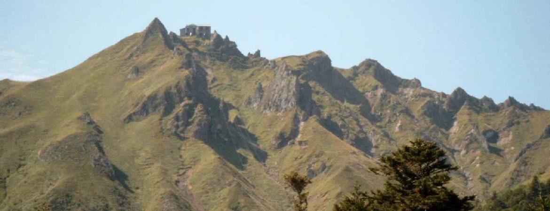 Op 60 km afstand hoog in de bergen in de Cantal