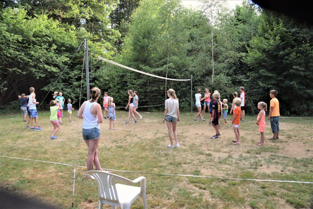 volleyen regelmatig spontaan op activiteitenbord